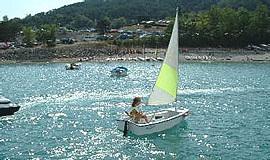 Boating activity on the lake of Serre-Ponçon